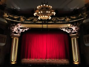 Theater Knigge